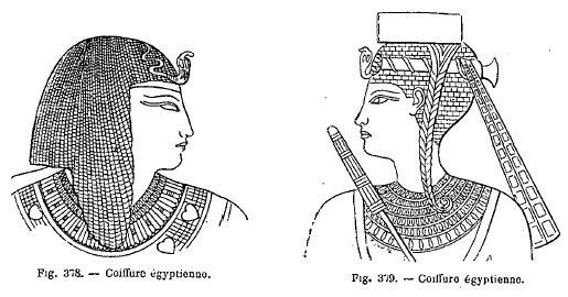 Les Égyptiens rasaient la tête de leurs enfants dès le plus bas âge,  laissant seulement quelques boucles sur le front, sur les côtés et par  derrière,